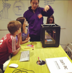 Kids learning to 3D print